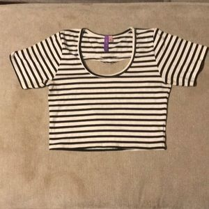 Emma & Sam crop top excellent condition